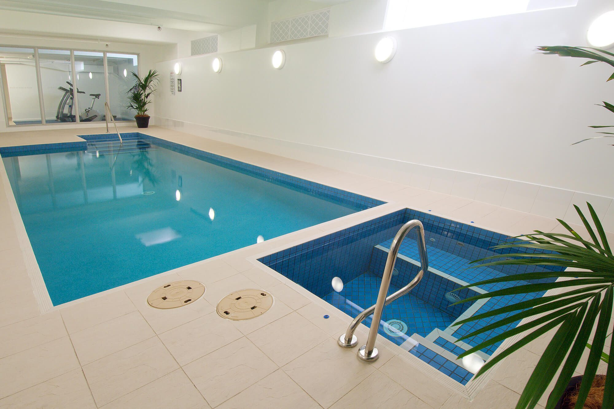 Indoor Pool an Spa